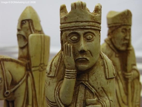 Isle of lewis plain theme chess set - Lewis chessmen set ...