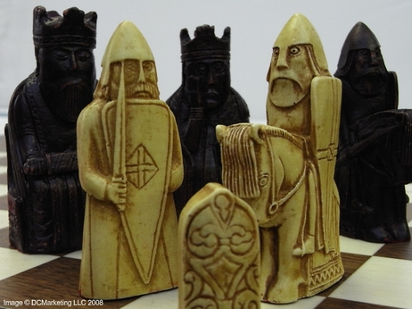 Isle of lewis plain theme chess set including walnut and sycamore wood veneer folding chess - Lewis chessmen set ...