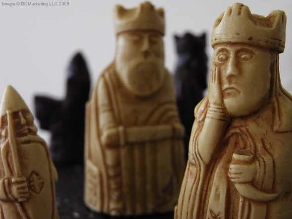 Isle of Lewis Plain Theme Chess Set - 'Mini Version'