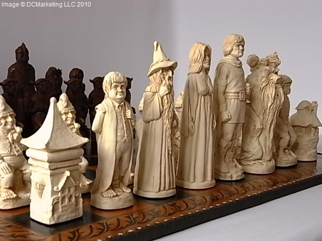 Lord of the Rings Plain Theme Chess Set (Large)